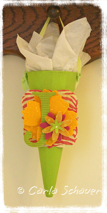 sizzix tussy mussy flower gift cone