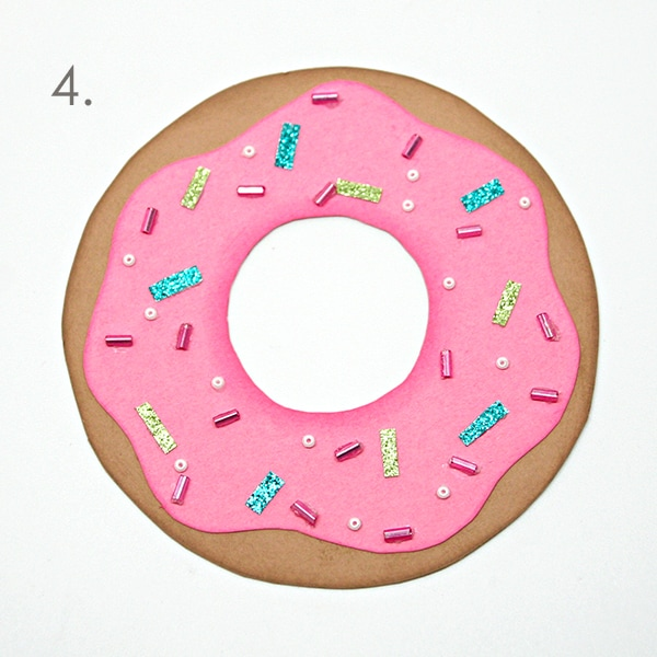 Make a sprinkled donut card using layered cardstock.  Tutorial at carlaschauer.com| Carla Schauer Designs