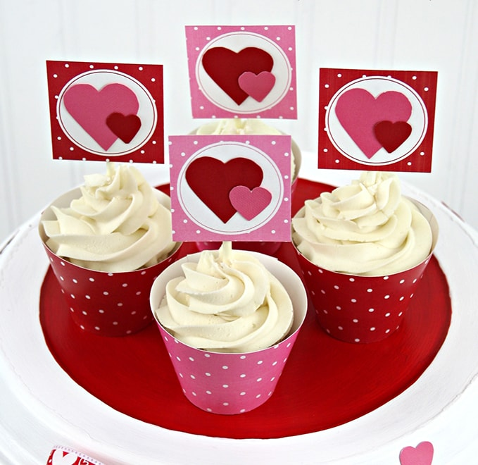 Stripes & Dots printable party kits for Valentine parties.
