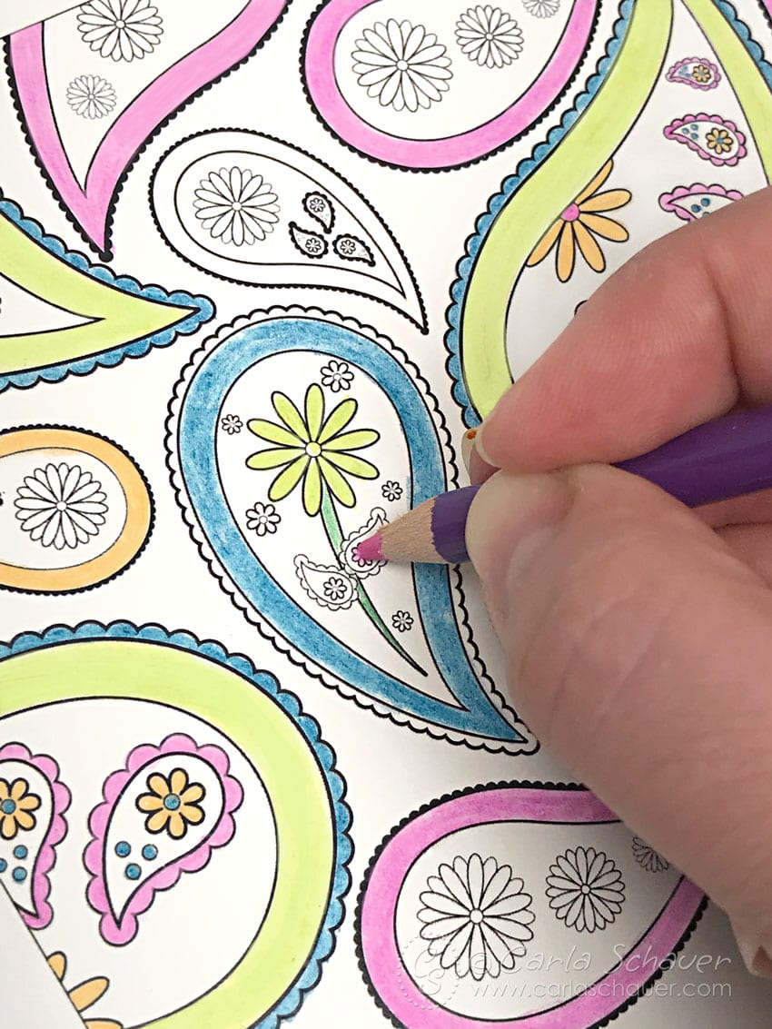 Coloring paisley printable using colored pencil